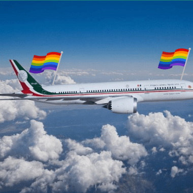 cosas lgbt avión presidencial portada