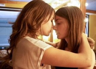 joven y alocada películas lésbicas gratis online portada