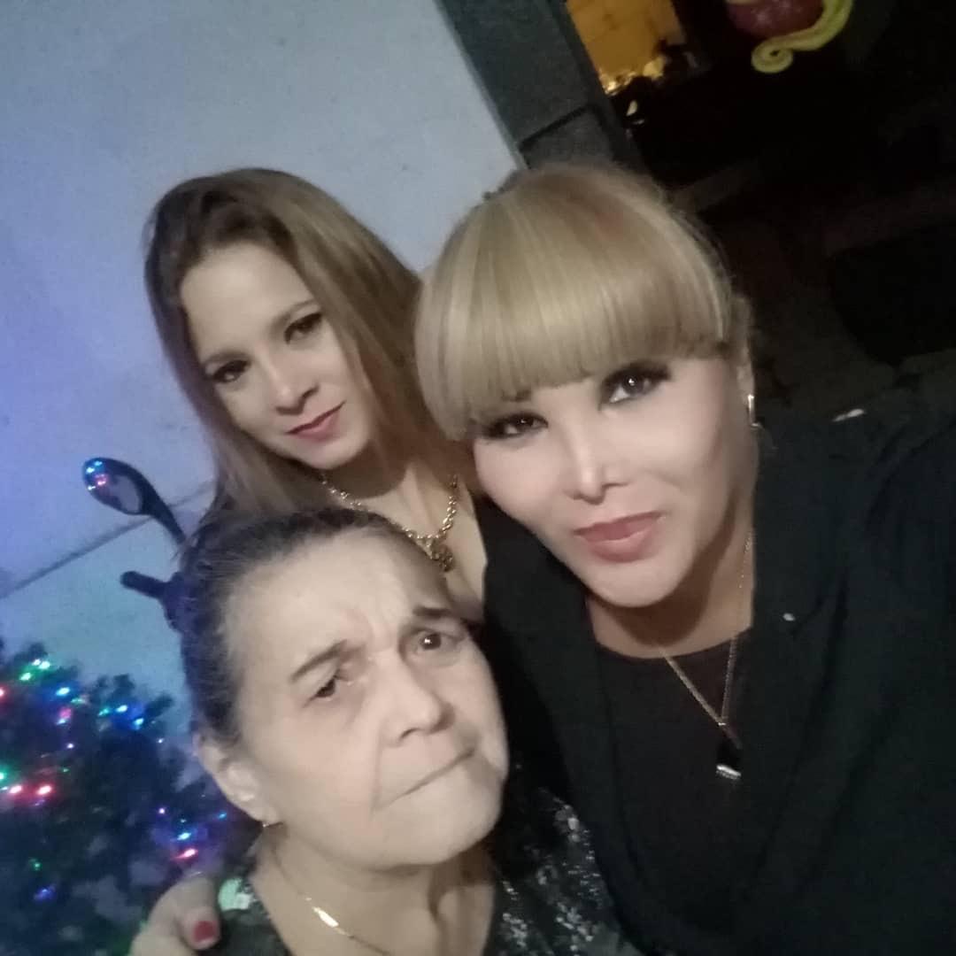 mamá-hermana-enfermera-trans