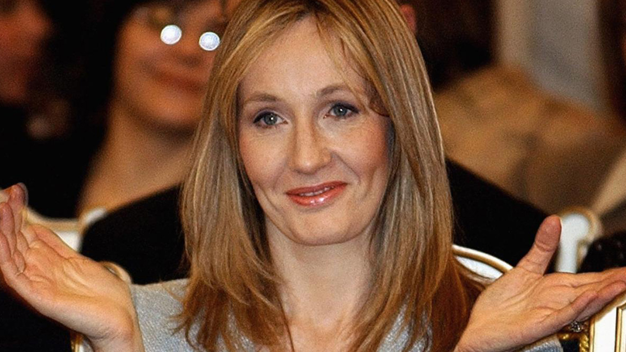 JK Rowling regresa premio transfobia