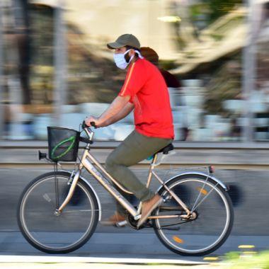 La bicicleta se ha convertido en un aliado para las personas en la pandemia.