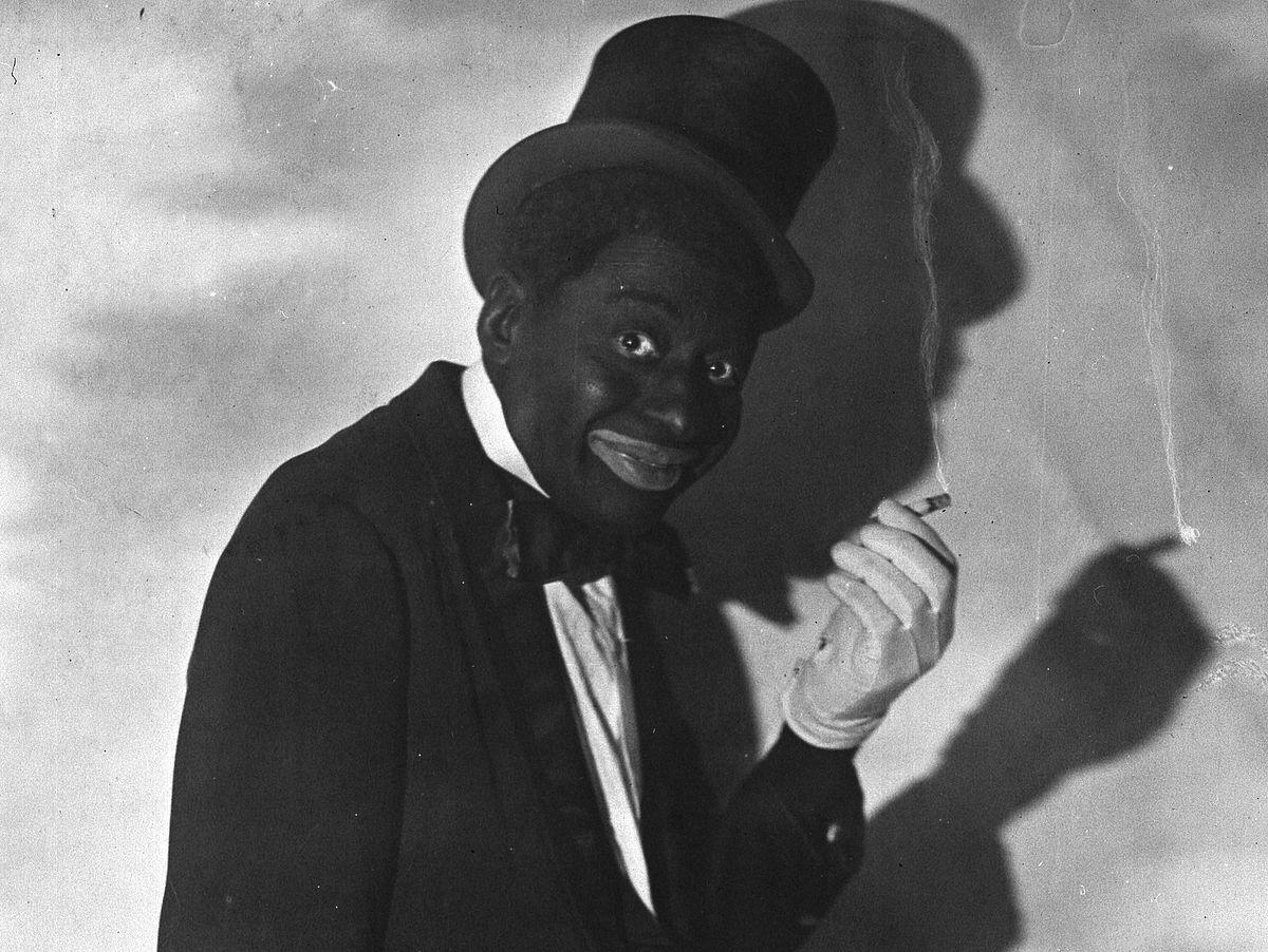 El actor Bert Williams haciendo blackface