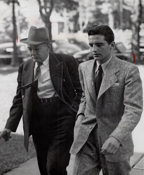 Jack después del juicio que no logró determinar que el triángulo amoroso gay causó la muerte de Christina.