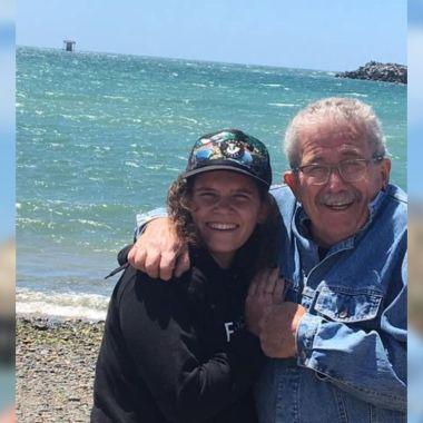 Abuelito conmueve al saber que su nieta es lesbiana