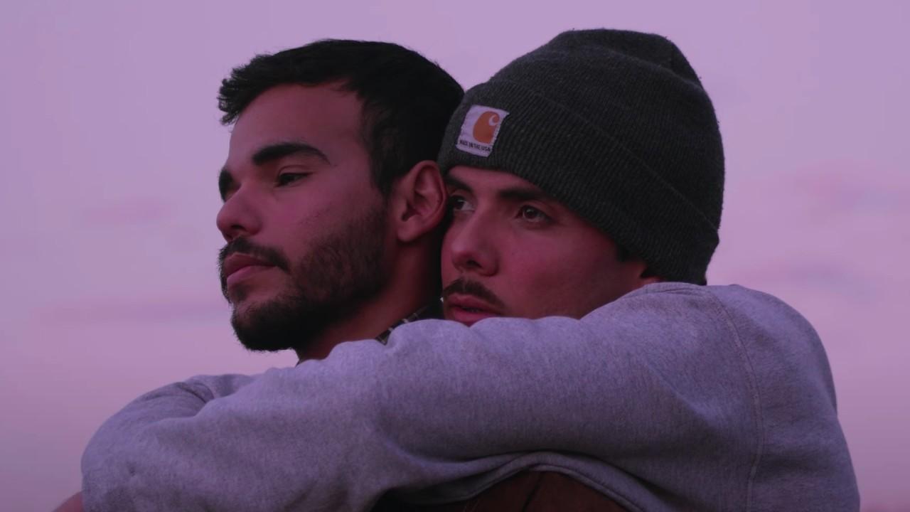Simpson Ahuevo video gay Duele