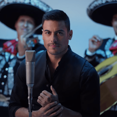 Carlos Rivera mariachis guapos tiktok video