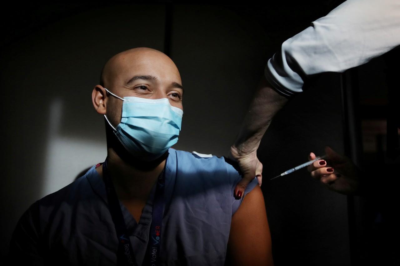 vacuna de COVID-19 para personas con VIH en México