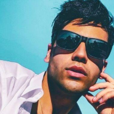 Daniel Robledo es conocido como Maluma mexicano