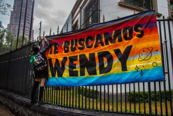 paste up morras wendy sanchez muñoz