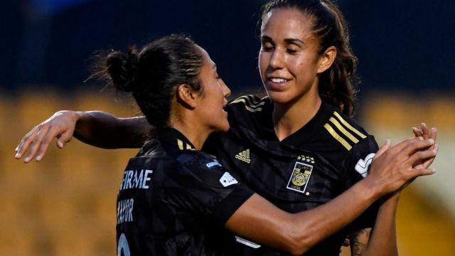 Bianca Sierra y Stephany Mayor son esposas