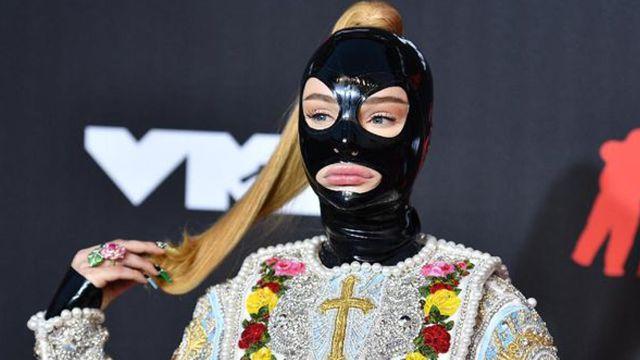 Kim Petras mujer trans VMA 2021