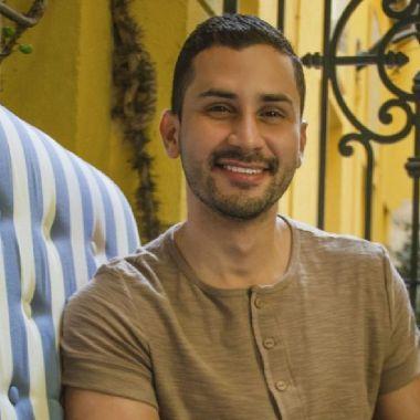 Psicólogo critica manifestaciones LGBT+ y dice que por eso los matan
