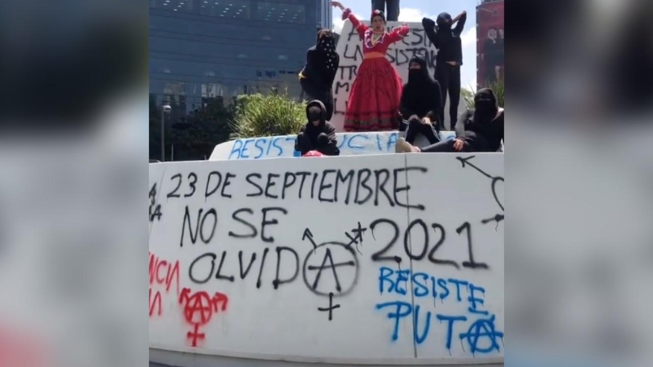 voguing protesta rebeldía LGBT+ La Tianguis Disidente baile México
