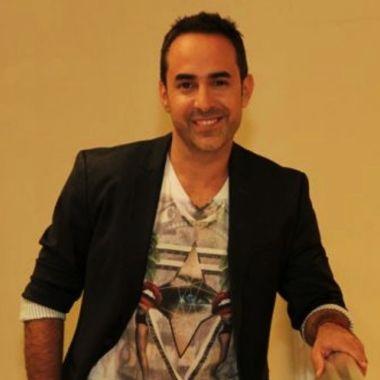Héctor Ugarte vocalista de Mercurio