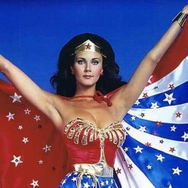 Lynda Carter Mujer Maravilla apoya a mujeres trans