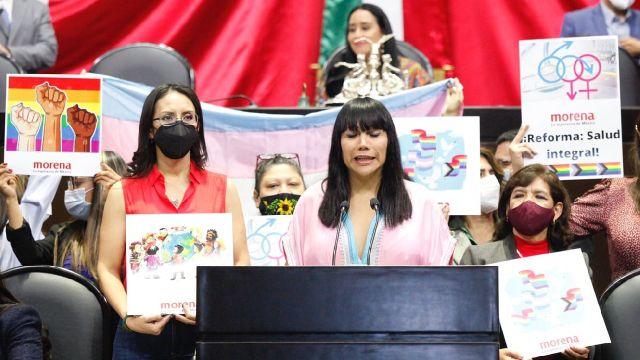 Diputada tans Salma Luévano recibe insultos homofóbicos y transfóbicos en Cámara de Diputados