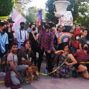 Exigen con Vogue publicación de reforma sobre matrimonio igualitario en Querétaro