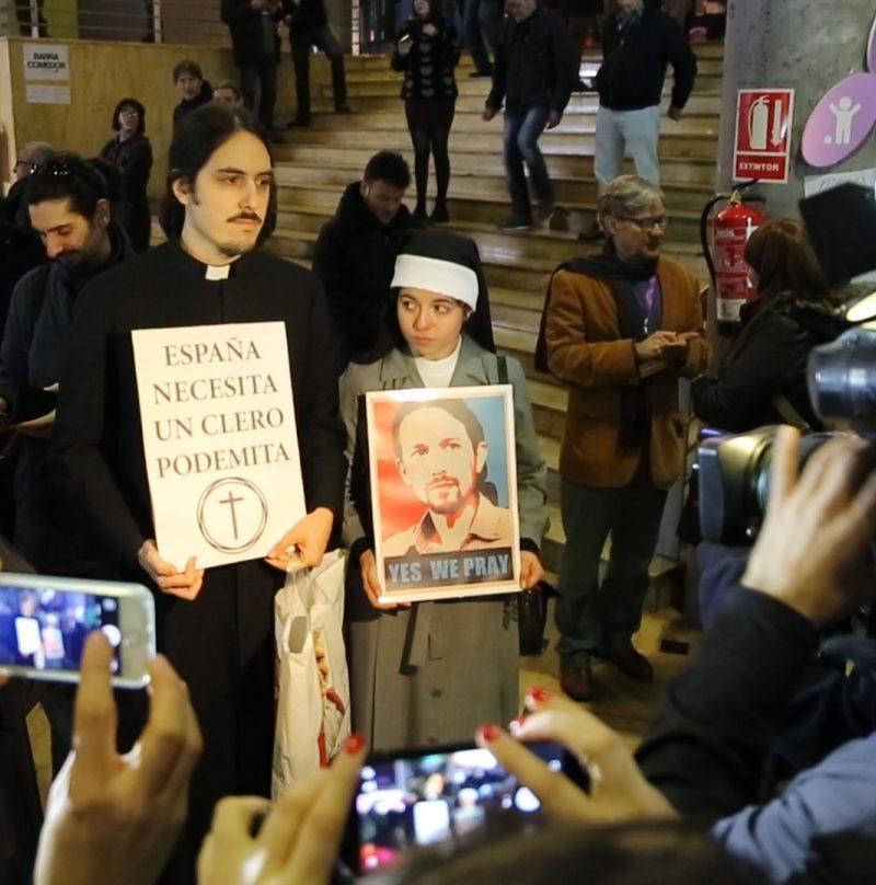 Los 'cleroflautas' que apoyan a Pablo Iglesias en Vistalegre II