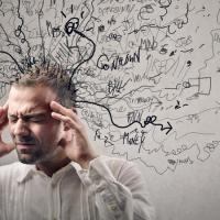 مريض فقدان الذاكرة لماذا لا ينسى لغته؟