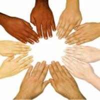ما سبب اختلاف لون البشرة عند الانسان؟