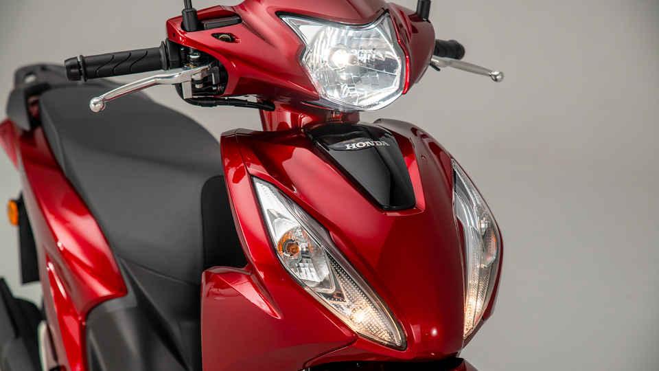 Honda Vision 110, cesta vpred