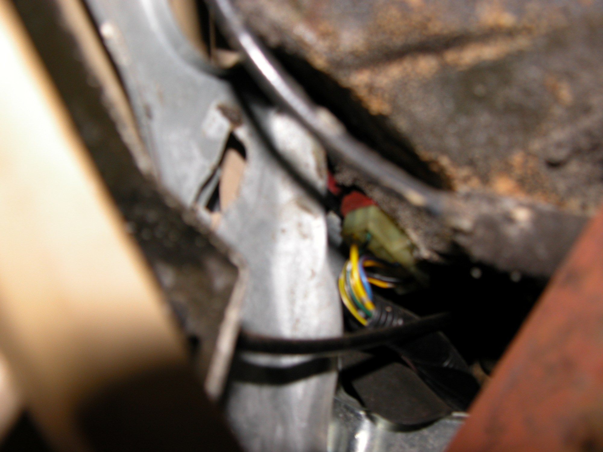 hight resolution of car fuse box clicking