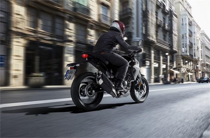 All-NEW 2019 Honda CB300R Review / Specs: Naked CBR Cafe Racer / Sport Bike