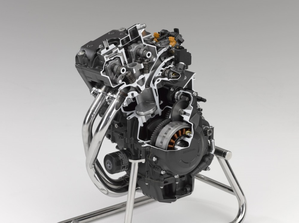 medium resolution of bore size of 67mm is identical to that of the cbr600rr cae was used to ensure the pistons have the optimum balance between weight strength and rigidity