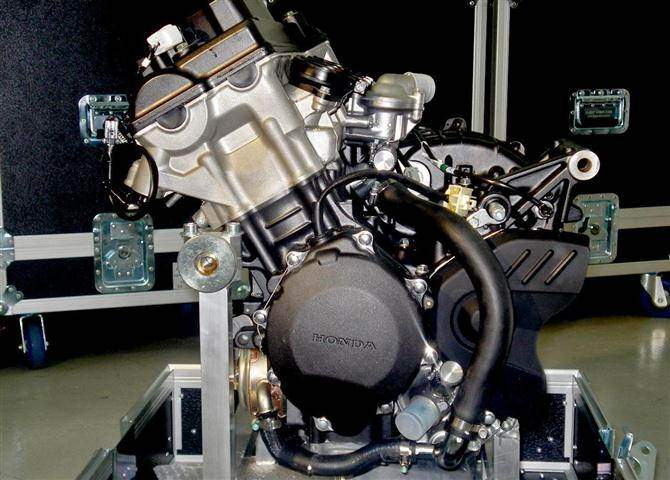 Building Moto2 Honda CBR Race Bike Engines  Take a Behind