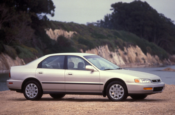 1996_Accord_5th_Generation