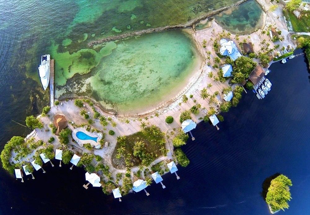 Laguna Beach Resort  Honduras Tips