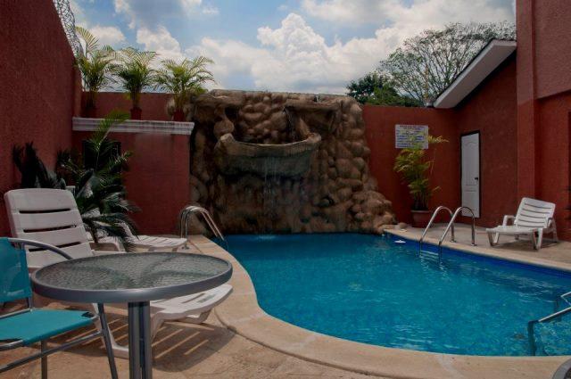 Apart Hotel Villas Larissa  Honduras Tips