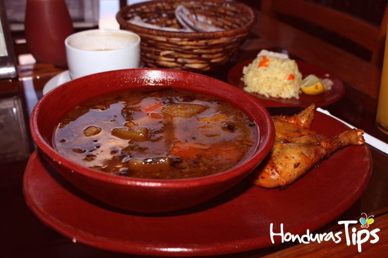 Los sabores tpicos de la cocina de Santa Rosa de Copn