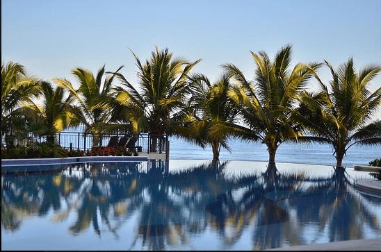 Playa Escondida Beach Club  Honduras Tips