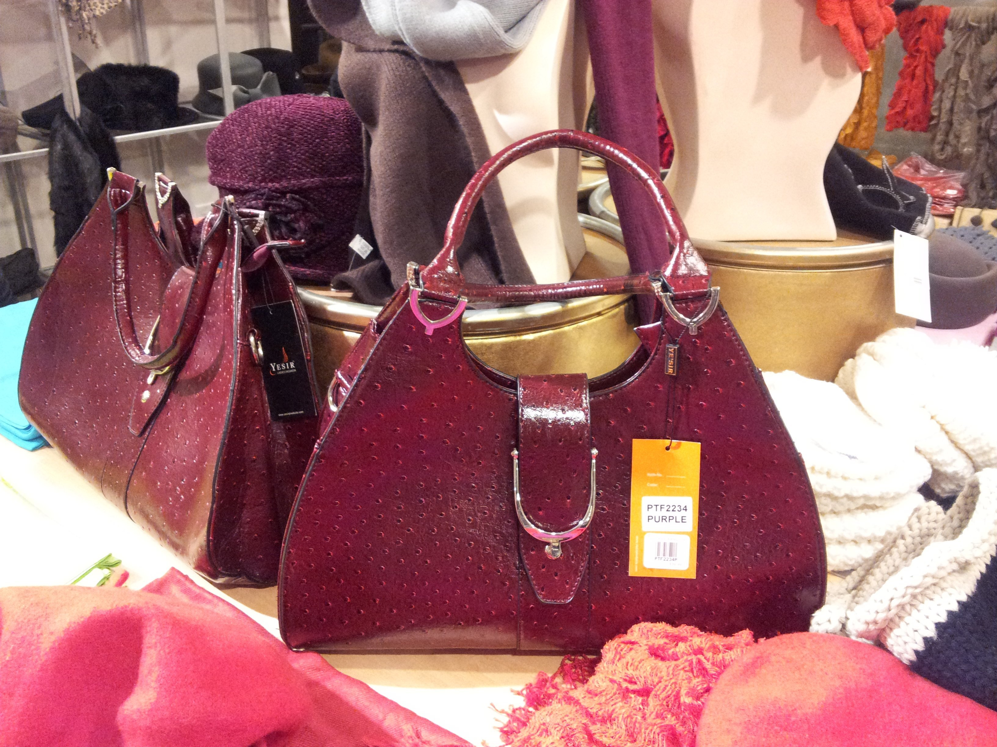 Gorgeous purple handbag from Dom itp