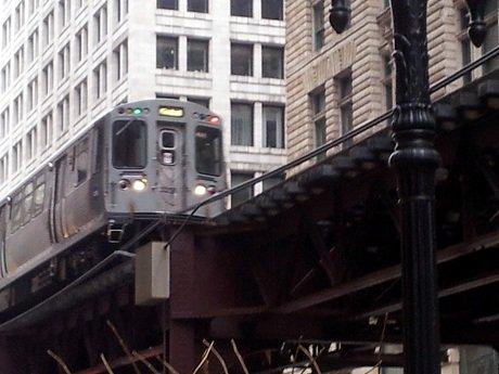 Brown line train heading through the loop