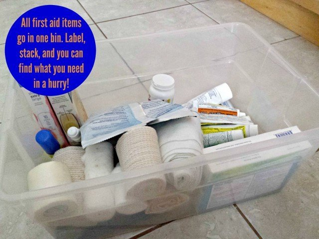 How to organize your bathroom with bins