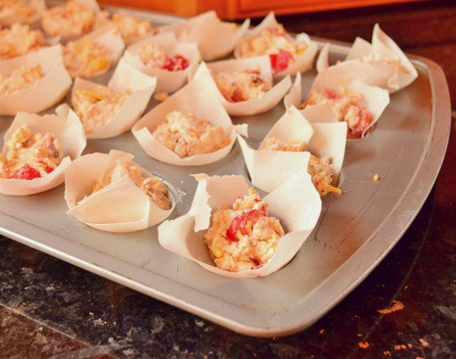 Fill phyllo cups with cream cheese mixture