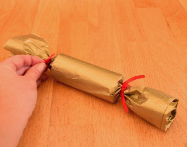 Tie ribbon on the ends of your New Years Eve poppers