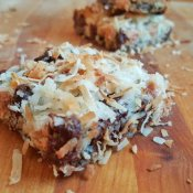 Delicious magic cookie bar