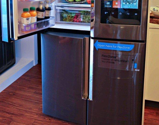 Samsung Kitchen Family Hub freezer doors
