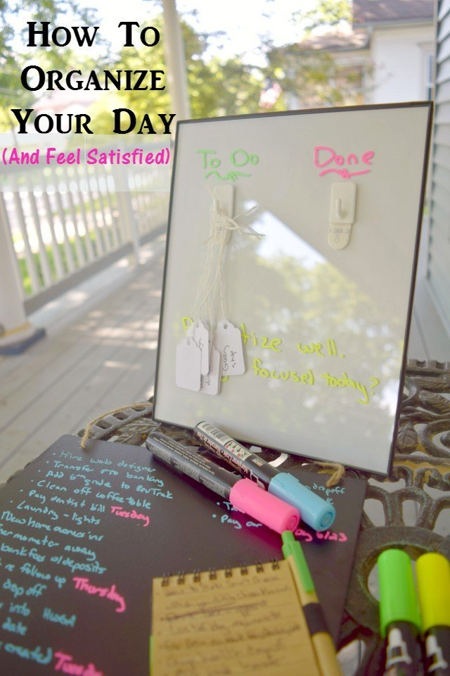 Easy Morning Routine to organize your day and help you feel in control. DIY visual daily task board and chalkboard long term to do tutorial. Stay organized and motivated.