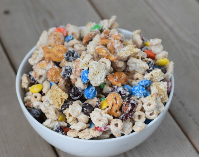 Enjoy a delicious bowl of white chocolate party mix recipe