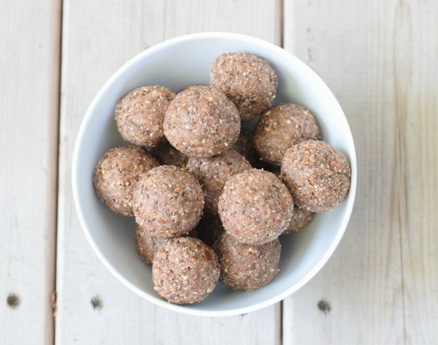 Healthy protein energy bites for breakfast