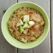 Make caramelized apple oatmeal in your rice cooker