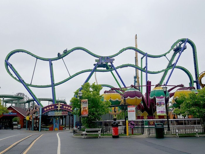 Full view of THE JOKER at Six Flags Great America