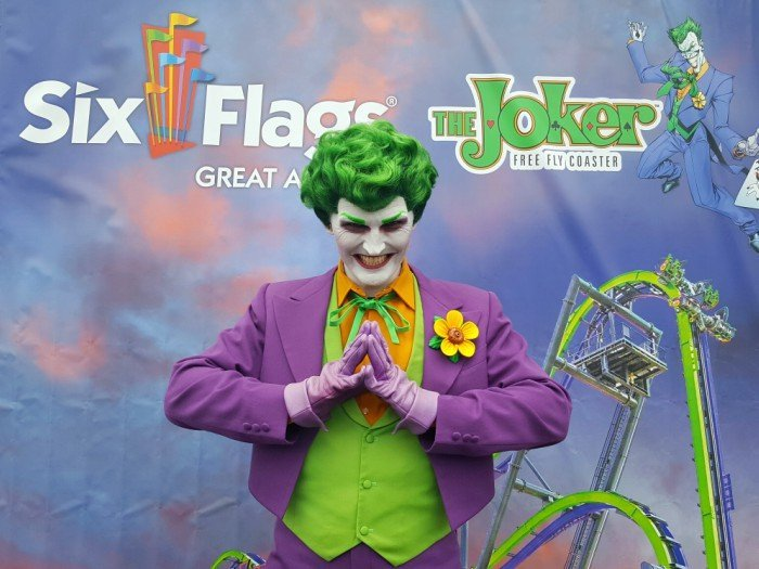 THE JOKER character actor at Six Flags