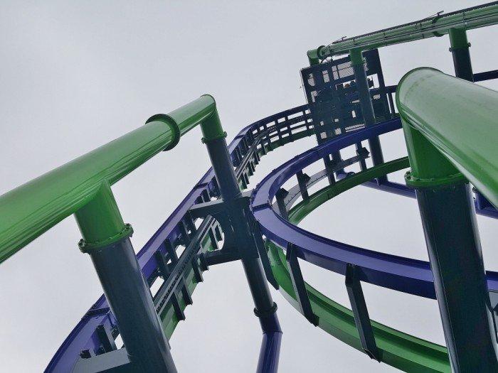 THE JOKER coaster goes straight up