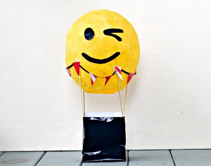 How to make a paper mache hot air balloon centerpiece with emoji face