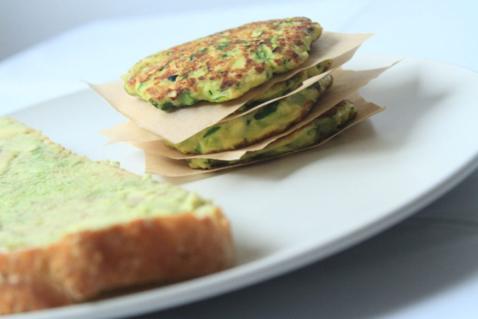 honestly fitness easy and healthy baled zucchini fritter recipe